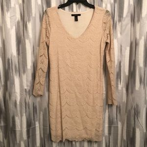 Cream lace fitted dress